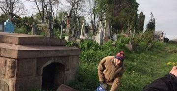 На Прикарпатті затримали жінку, котра збирала у склепі черепи