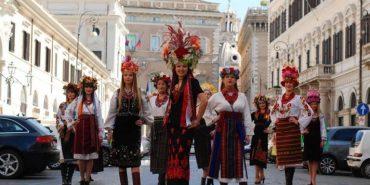Українські красуні влаштували у Римі вражаюче дефіле у вишиванках. ФОТО