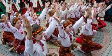 """Коломия у вирі танцю: гучно відкрили II фестиваль народної хореографії """"Покутські витоки"""". ФОТО+ВІДЕО"""
