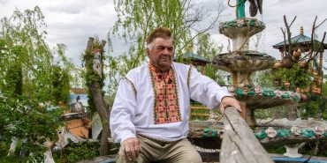 Скульптор-самоук з Рунґурів ліпить свої фігури для цілої України. ФОТО
