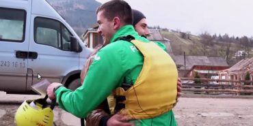 Чемпіон паралімпіади допомагає в реабілітації юнаку з Коломийщини, який втратив ногу під потягом