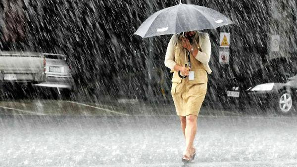 На Прикарпаття знову насувається дощ та сильний вітер