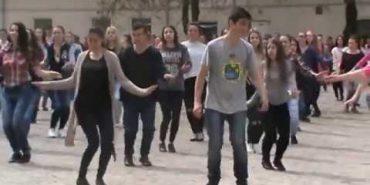 У Коломийському педколеджі відзначили День танцю. ВІДЕО