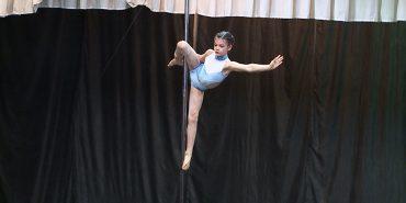 У Коломиї відбувся чемпіонат з танців на пілоні. ВІДЕО