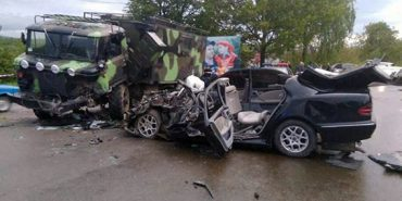 Поліція оприлюднила фото жахливої ДТП у Стопчатові, в якій загинуло двоє мешканців Коломийщини. ФОТО