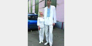 """""""У моїй родині всі високі"""", – на Франківщині живе найвищий чоловік України. ФОТО"""