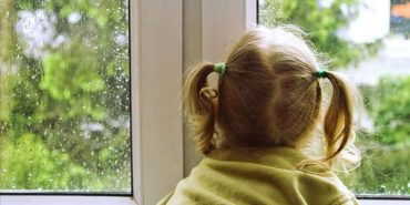 У Чернівцях дитина випала з вікна 6-го поверху, рятуючи кота