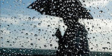 Мешканців Прикарпаття попереджають про сильні зливи