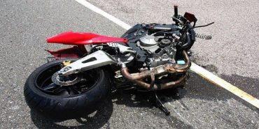 На Прикарпатті 19-річний мотоцикліст в'їхав в огорожу: від отриманих травм водій помер в реанімації