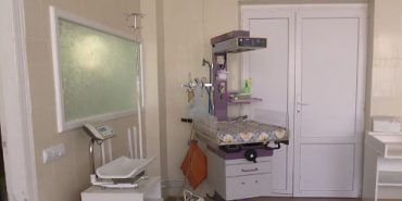 Лікарі розповіли, чому померла ненароджена дівчинка під час пологів на Прикарпатті