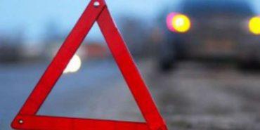 ДТП на Коломийщині: легковик злетів у кювет, двоє постраждалих