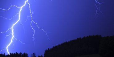 На Франківщині 40-річного чоловіка вбила блискавка