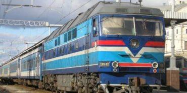 Іноземець потрапив під потяг, який їхав з Франківська