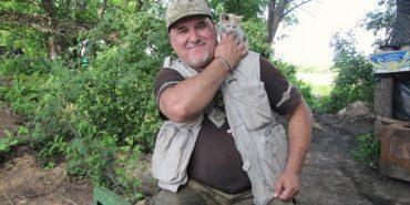 Військовий капелан Василь Довганюк відвідав українських військових на передовій. ВІДЕО