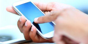 Медики розповіли, чим загрожує постійне використання смартфона