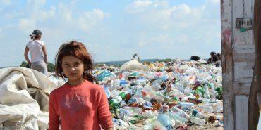 Сміття і роми: фоторепортаж зі сміттєзвалища у Коломиї