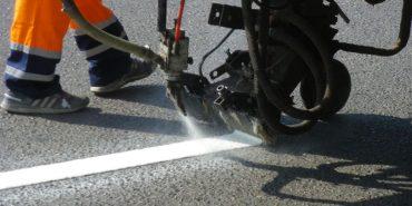 На дорогах Прикарпаття встановлять нові знаки, світлофори та шумову розмітку