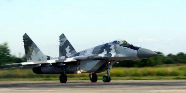 Командувач Повітряних Сил перевірив, як готують пілотів в Коломиї та Івано-Франківську