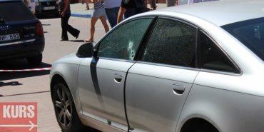 У середмісті Івано-Франківська розстріляли автомобіль. ФОТО+ВІДЕО