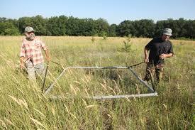 В Карпатах добровольці-пошуковці виявили десятки артилерійських снарядів часів І та ІІ Світової війни
