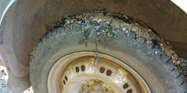 Відремонтоване на Коломийщині дорожнє покриття пристає до коліс. ФОТО