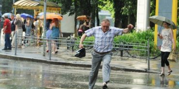 Сьогодні на Прикарпатті погода мінлива з дощами, подекуди й грозами