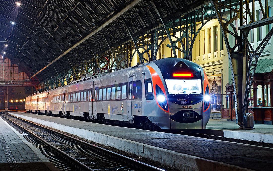 ЗКиєва допольського Перемишля з24 серпня їздитиме щеодин поїзд