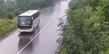 Водій не скинув швидкості: подробиці аварії автобуса з коломийськими туристами, який впав у прірву. ВІДЕО