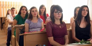 У Коломиї 230 студентів отримали вчительські дипломи. ВІДЕО