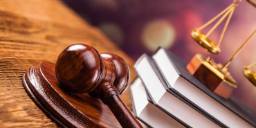 Суддю з Франківщини покарали за конфлікт інтересів