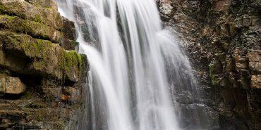 Манявський водоспад, що на Франківщині, є найвищим у Карпатах. ВІДЕО
