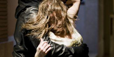Троє чоловіків на Прикарпатті намагалися зґвалтувати жінку — їх затримали патрульні
