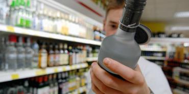 В уряді хочуть підняти ціни на алкоголь