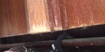 Депутат прикував себе до батареї у кабінеті мера Івано-Франківська. ФОТО