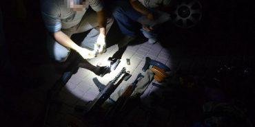 На Прикарпатті СБУ затримала кримінальне угруповання та вилучила арсенал зброї. ФОТО