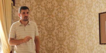 """Ведучий """"Свободи слова"""" Вадим Карп'як виступив у Музеї історії міста. ФОТО"""