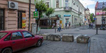 Чи мають вулиці Валова-Театральна стати пішохідними: думки коломиян розділилися