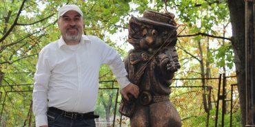 """Історія """"сотого кота"""" у світі: як у Коломиї з'явився Кіт Ґудзик. ФОТО"""