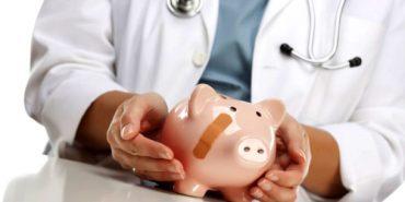 Медикам Коломийщини та Снятинщини боргують зарплату ще за червень