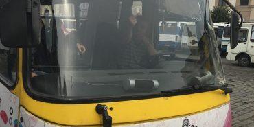 Водія маршрутки на Прикарпатті, який нецензурно вилаяв пасажирку, звільнили. ФОТОФАКТ
