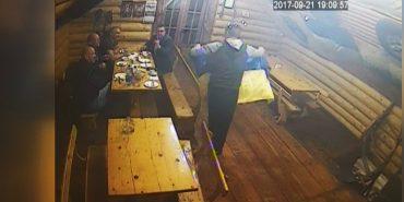 Коломиянину, який вчинив наругу над державним прапором, загрожує до 5 років тюрми