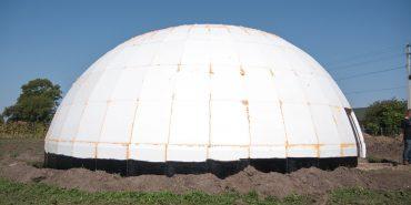 Репортаж з будівництва вражаючого житла-купола на Коломийщині. ФОТО