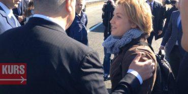 Прикарпатці передали Порошенку листа з проханням допомогти переобрати корумпованих сільських депутатів