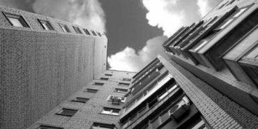 На Прикарпатті першокурсник випав з 9-го поверху гуртожитку