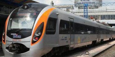 """""""Укрзалізниця"""" планує закупити нові швидкісні поїзди"""