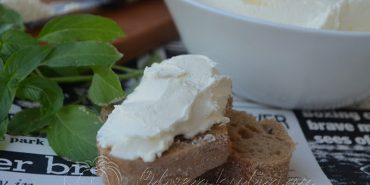 """Прикарпатська блогерка поділилась секретами приготування сиру """"Філадельфія"""" в домашніх умовах. ФОТО"""