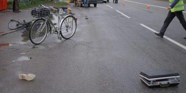 На Карпатській у Коломиї трапилася ДТП: велосипедист в лікарні. ФОТО