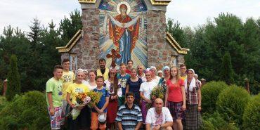 Віряни з Коломиї взяли участь у п'ятиденній пішій прощі до Унева. ФОТО