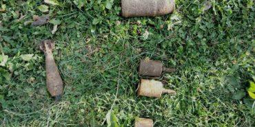 У 38-річного прикарпатця знайшли арсенал боєприпасів та 1 кг пороху. ФОТО