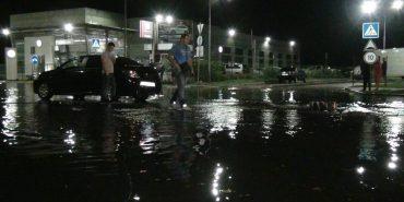 На Франківщині внаслідок дощу затопило 50 приміщень. ФОТО